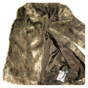 Jackets & Blazers - New faux fur with pockets & extra hook closures